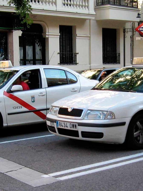 Такси в Мадриде (фото)