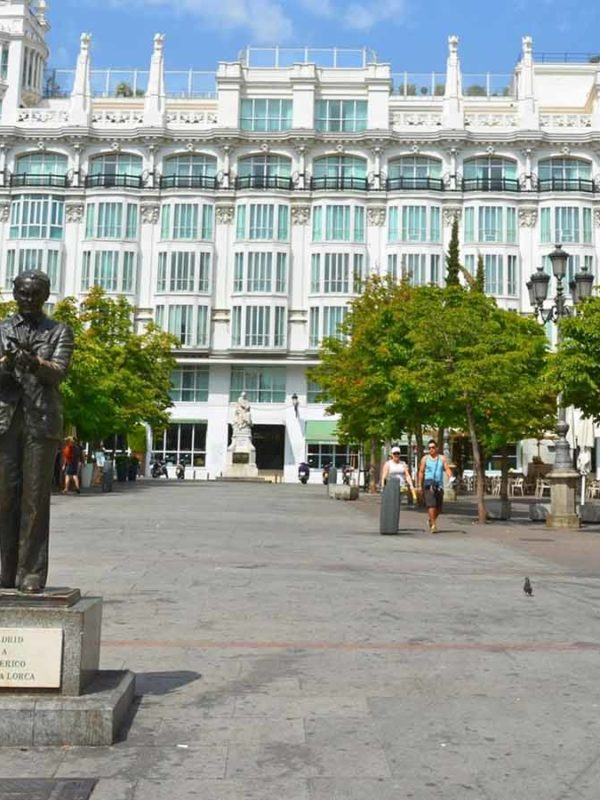 Достопримечательности Мадрида: Площадь Санта-Ана (Plaza de Santa Ana)